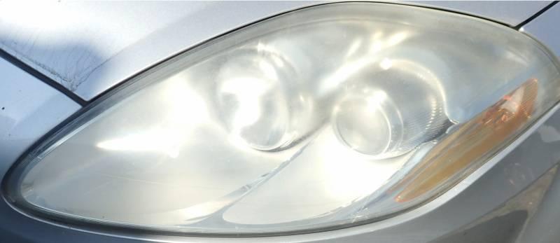 Lampa przednia FIAT przed regeneracją