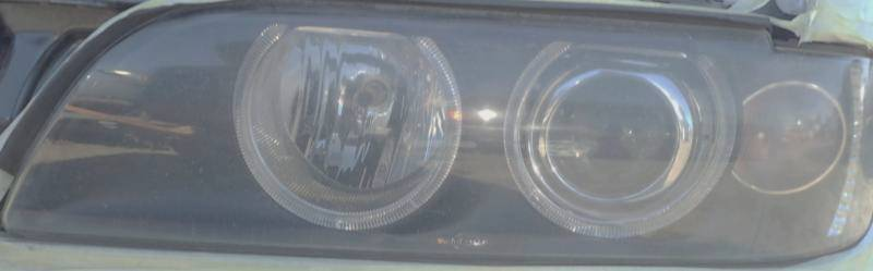 Reflektor przód BMW przed regeneracja